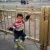 Китайский папа проехал с сыном на роликах 500 километров